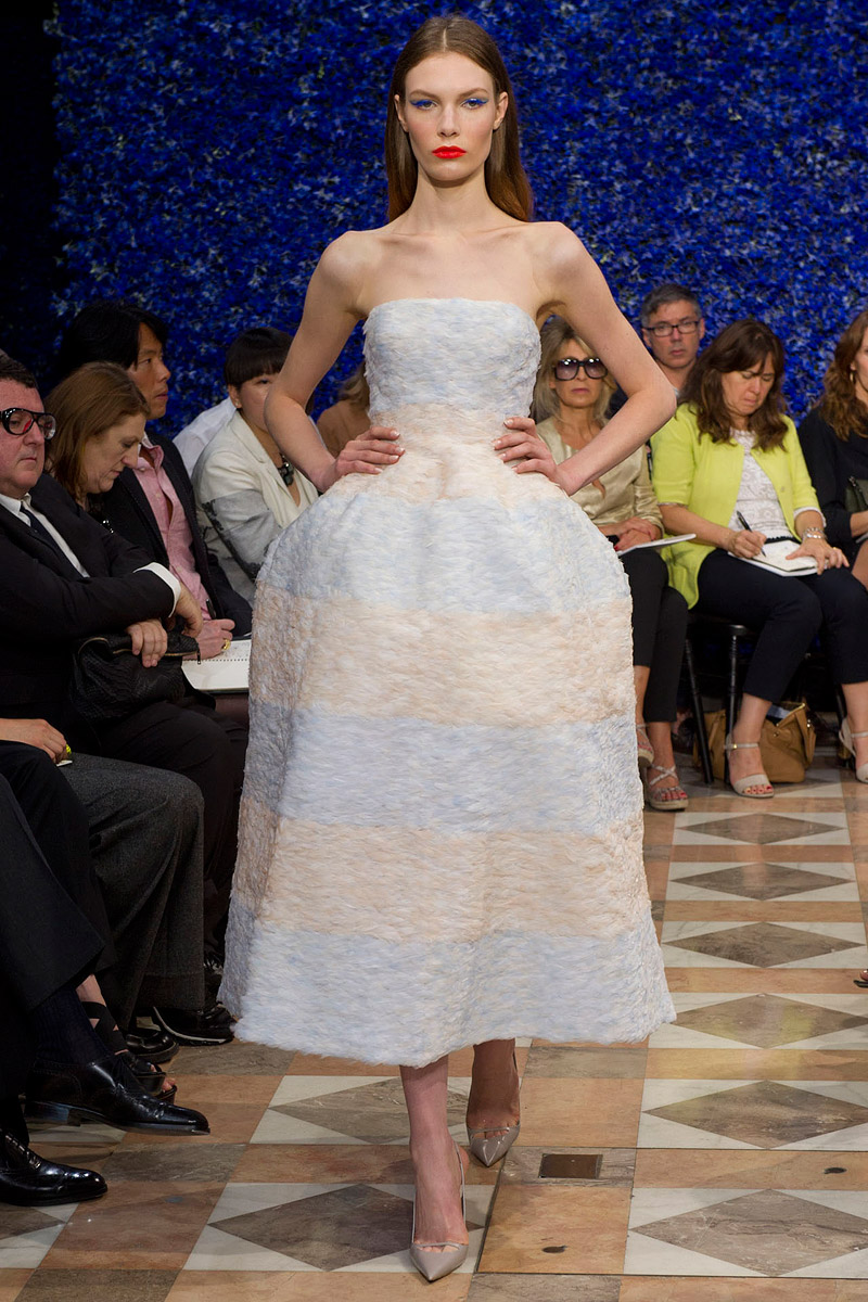 dior-fall-2012-couture-runway-45_130504833105