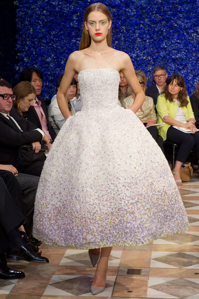 dior-fall-2012-couture-runway-47_130506115037