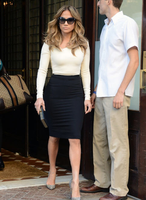 jennifer-lopez-new-york-city-roland-mouret-two-tone-angel-dress-christian-louboutin-pigalle-crystal-embellished-suede-pumps
