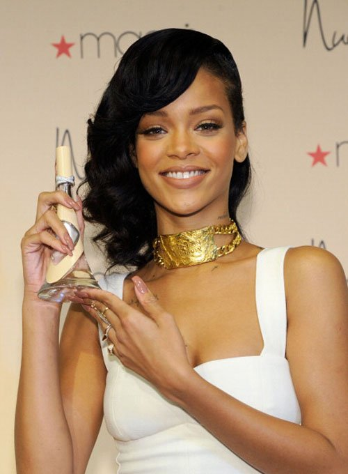 Rihanna S Nude Fragrance Launch Nini Nguyen White Lace Dress And Tom