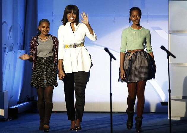 hot-or-hmm-Michelle-Obamas-Kids-Inaugural-ball-Alexander-Mcqueen-white-button-front-blouse