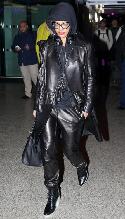 rita-ora-heathrow-airport-jil-sander-veiled-beanie