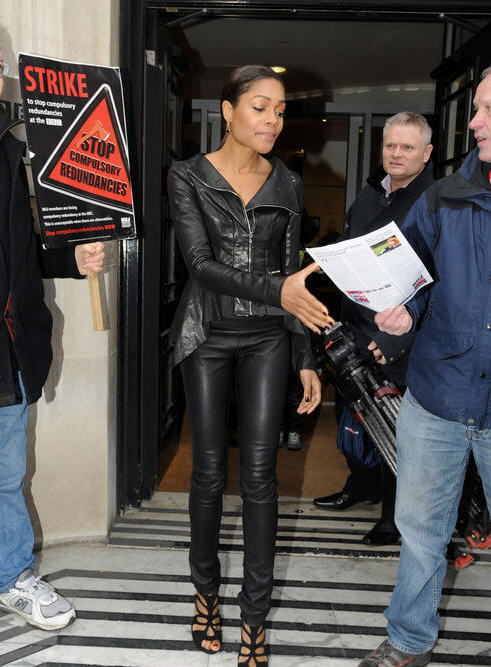 naomie-harris-itv-studios-london-giuseppe-zanotti-cutout-sandals