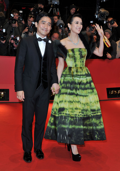 zhang-ziyi-the-grandmaster-premiere-63rd-berlinale-international-film-festival-berlin-germany-christian-dior-couture-fall-2012-dress-christian-louboutin-daffodile-pumps-fendi-giano-clutch-1