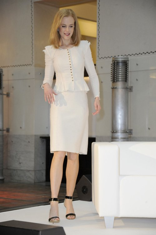 nicole-kidman-omega-press-junket-nina-ricci-pre-fall-2013-suit-nicholas-kirkwood-elaphe-metallic-and-patent-leather-sandals-1