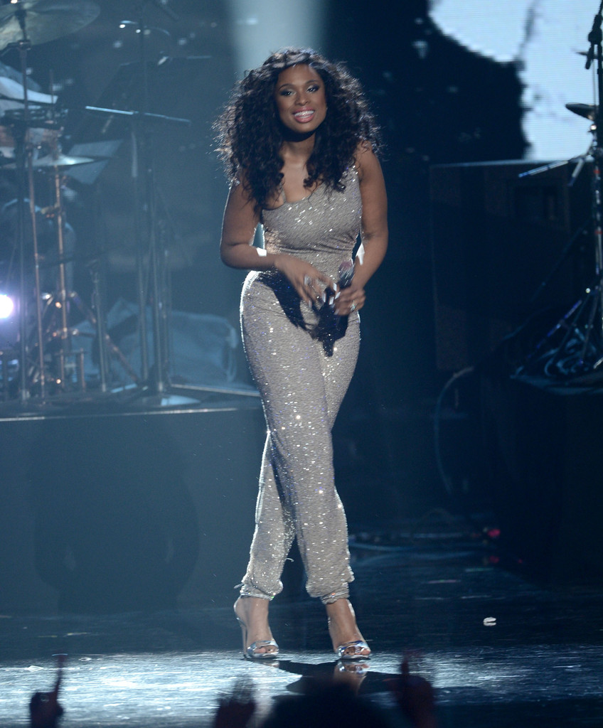 jennifer-hudson-28th-annual-rock-and-roll-hall-of-fame-induction-ceremony-los-angeles-pamella-roland-jumpsuit-1