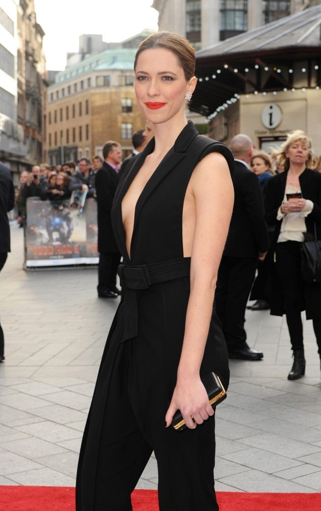 rebecca-hall-iron-man-3-london-screening-lanvin-spring-2013-giuseppe-zanotti-metal-heel-sandals-2
