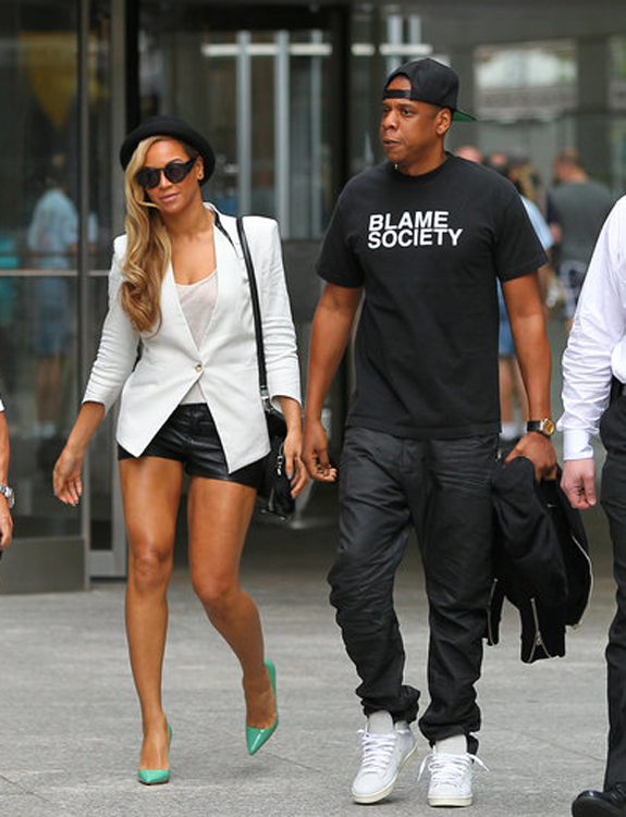 Jay z's simple t shirt goes up to a xlarge