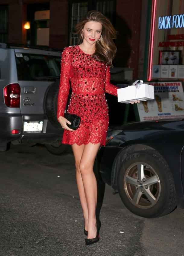 miranda-kerr-new-york-city-dolce-gabbana-red-lace-embroidered-dress-1
