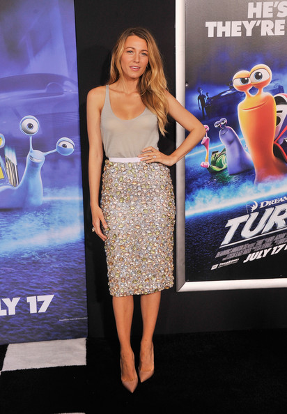 Hot! or Hmm… Blake Lively's Turbo New York Premiere Burberry Prorsum Resort 2014 Dress