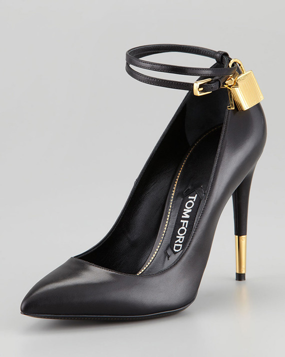 Tom-Ford-Padlock-Pumps-Black