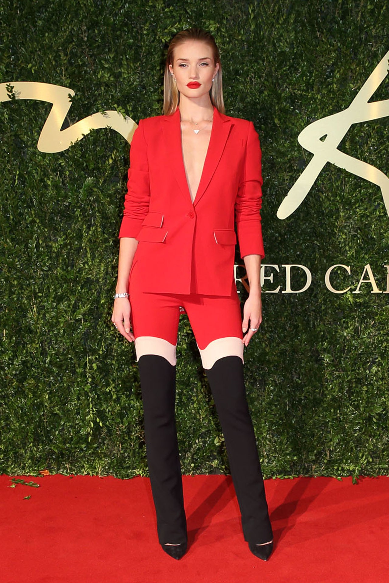 Rosie Huntington-Whiteley British Fashion Awards 2013