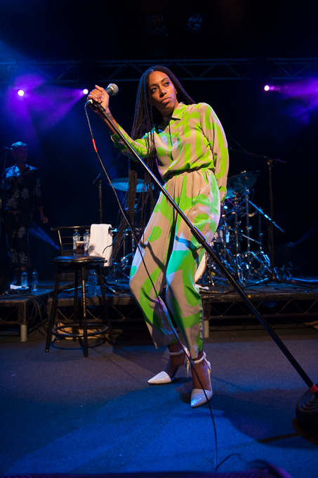 Solange-Knowles-Metro-Theatre-Desert-Designs-Printed-Top-and-Trousers