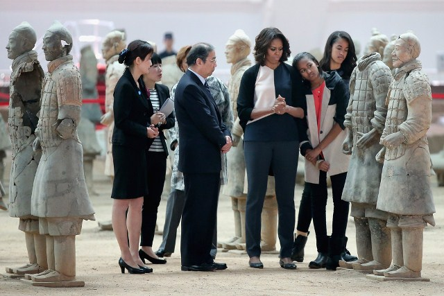 michelle-obama-museum-of-the-terracotta-soldier-xian-china-narciso-rodriguez-fall-2014-1