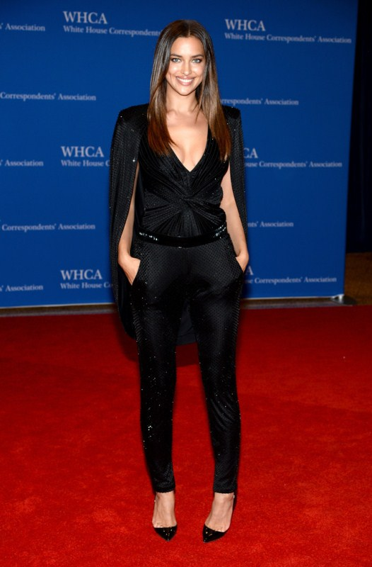 irina-shayk-100th-annual-white-house-correspondents-association-dinner-atelier-versace-spring-2014-cape-blouse-trousers