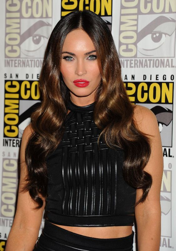 megan-fox-comiccon-david-koma-dress