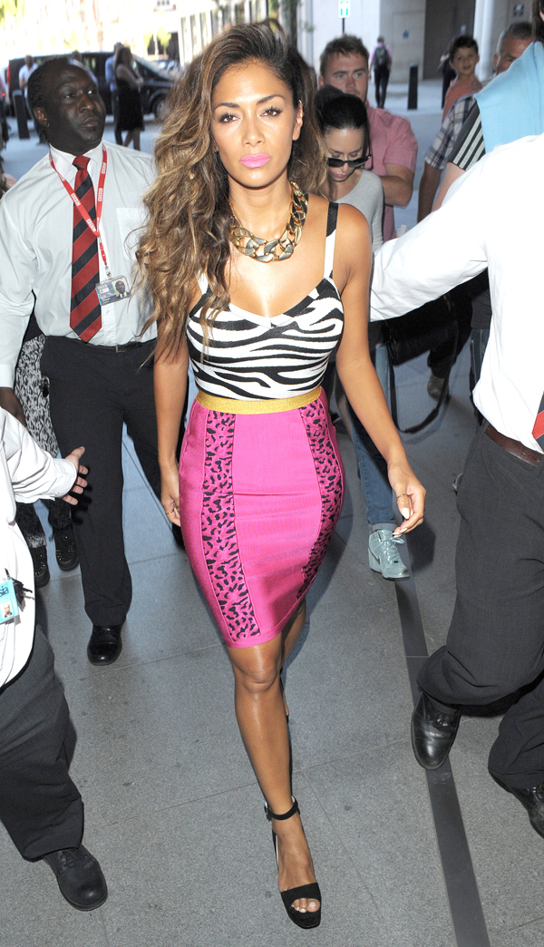 Nicole Scherzinger looks like a '90's Chic - Part 2  **USA ONLY**