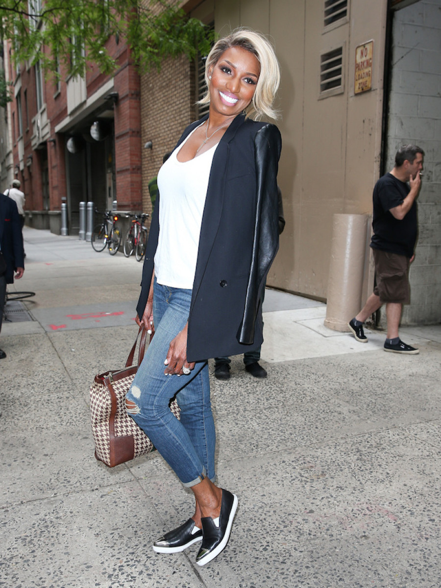 NeNe Leakes seen waving at her fans while arriving at ABC studios to host the 'Live! With Kelly And Michael' in New York City