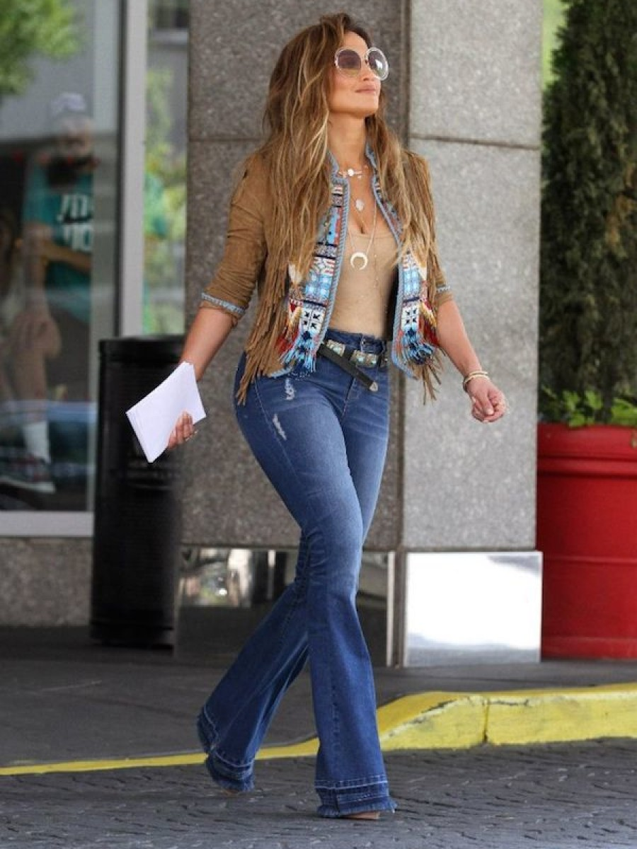 JLo gave 70s flair on set of her new music video El Mismo Sol
