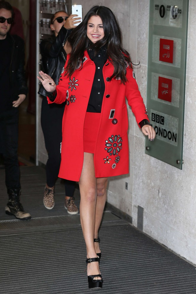 Selena-Gomez-Leggy-in-Short-Skirt-bbc-radio1-london-2