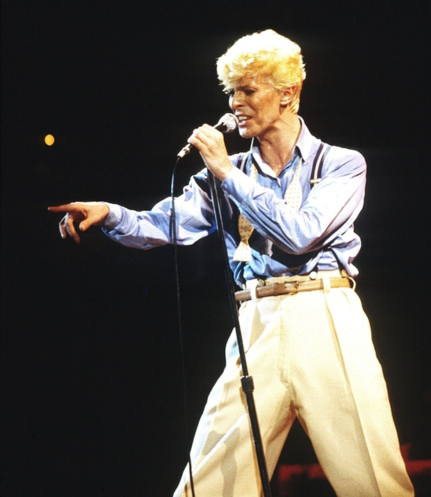 Fashion-Icon-David-Bowie-Dies-A-Legacy-Remembered1