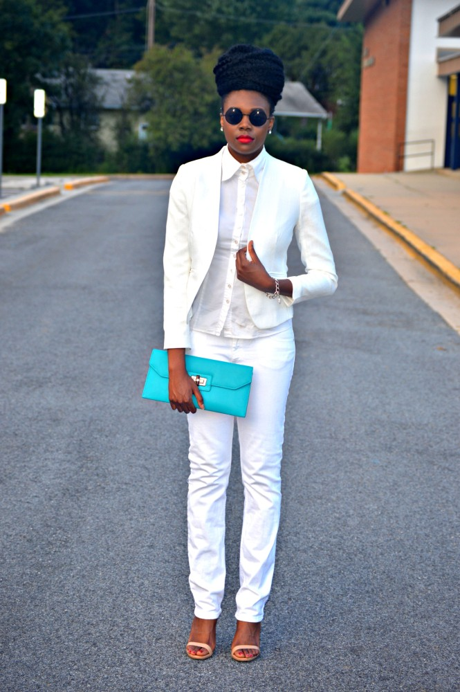 Nikki Billie Jean wore a show-stopping white suit with a turquoise accented clutch. POP OUT!