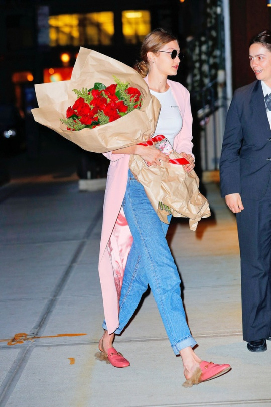 480fe7a9468 Gigi hadid gucci princetown slippers – Fashion Bomb Daily Style ...