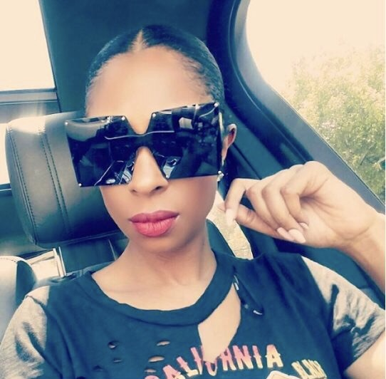 0378e32d181 The Fab List 10 Celebrity-Approved Sunglasses You Need This  Summer Jennifer+Williams