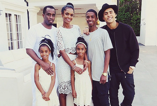 Kim Porter final pictures with family two weeks before death