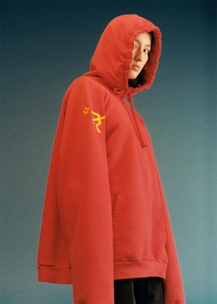 kim-kardashian-la-balllet-vetements-communist-hoodie